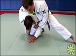 Eduardo Telles Turtle Guard Series 4 - Turtle Knee Pinch Sweep from Half Guard